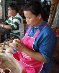 ภาพช่างไทย: นาง สงวนรัตน์ ตะโชประรัตน์
